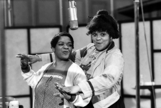 NELL CARTER AND ARMELIA MCQUEEN PHOTO CREDIT: HENRI DAUMAN