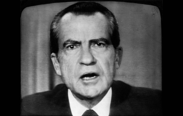 the life and times of the 37th president of the united states richard milhous nixon Time left: 8d 22h 42m:   president of the united states - richard milhous nixon - d -  richard m nixon 37th president 1969 inaugural medal token coin united .