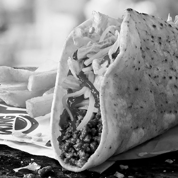 Black and white version of the misleading Burger King marketing photo of their new taco.