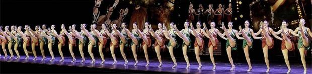 Rockettes_kick_line